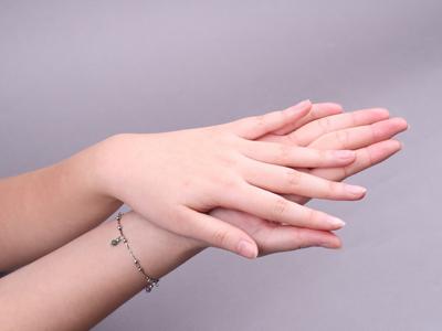 看手相知寿命长短 多做手指操有益健康