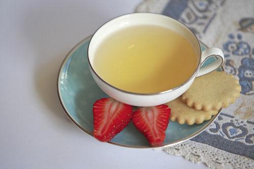 下面我们就为大家介绍四款diy茶饮,自己动手就能实现喝着香茶减肥啦!