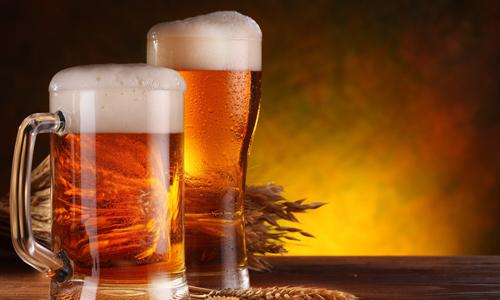 男人长期喝啤酒有哪些坏处