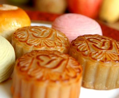 乐活 最新提醒  中秋节俗称团圆节,中国的习俗中中秋吃月饼也是很重要