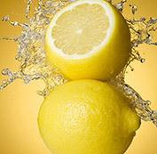 柠檬片泡水喝的六大功效