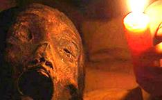 揭秘:千年古墓走出的活女尸
