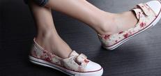 鞋袜宽松 透气防湿